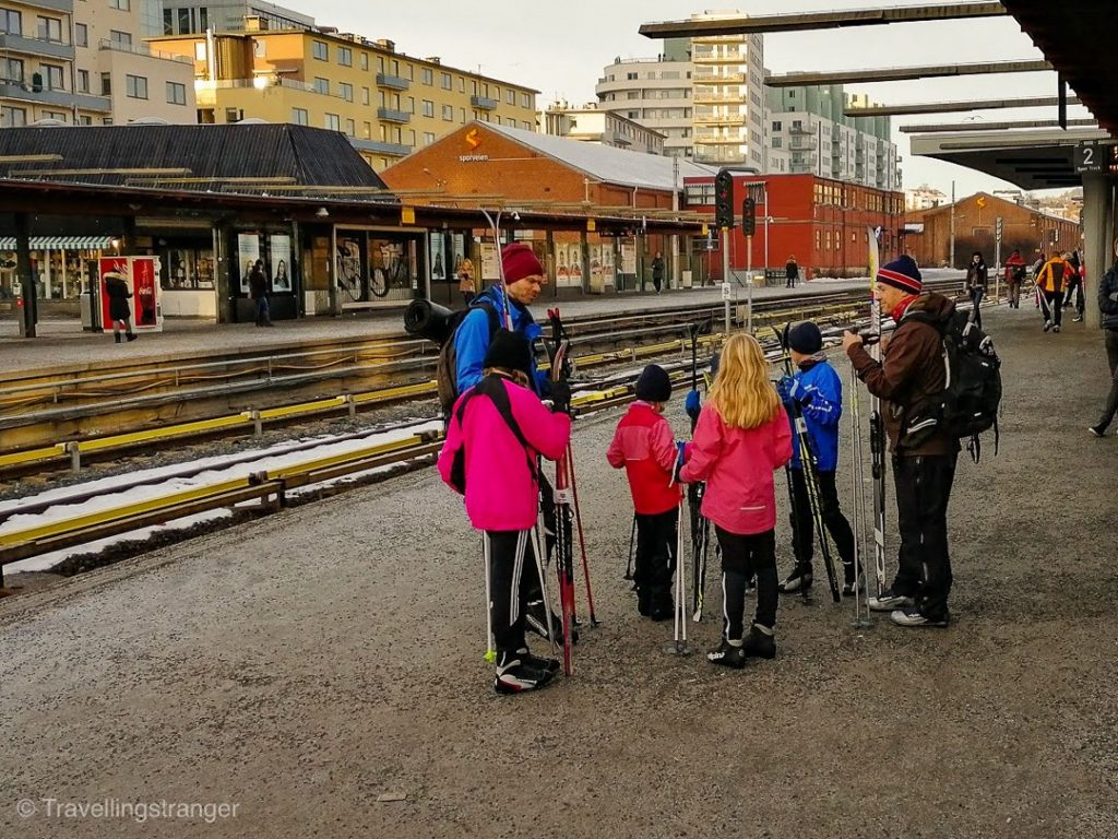Norwegians go skiing